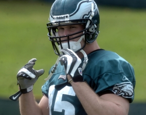 Rob Myers practicing with the Eagles
